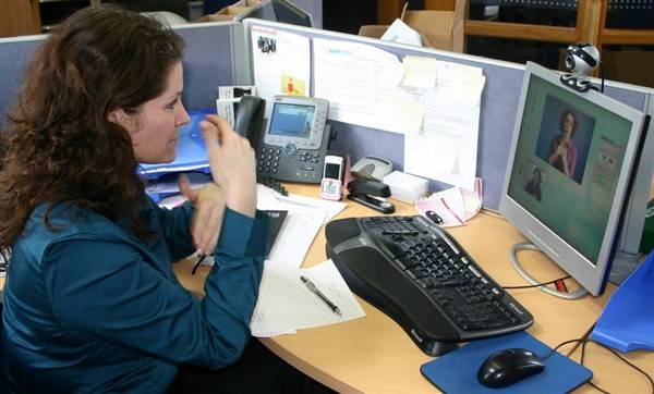 Deaf girl working as a Receptionist blog image